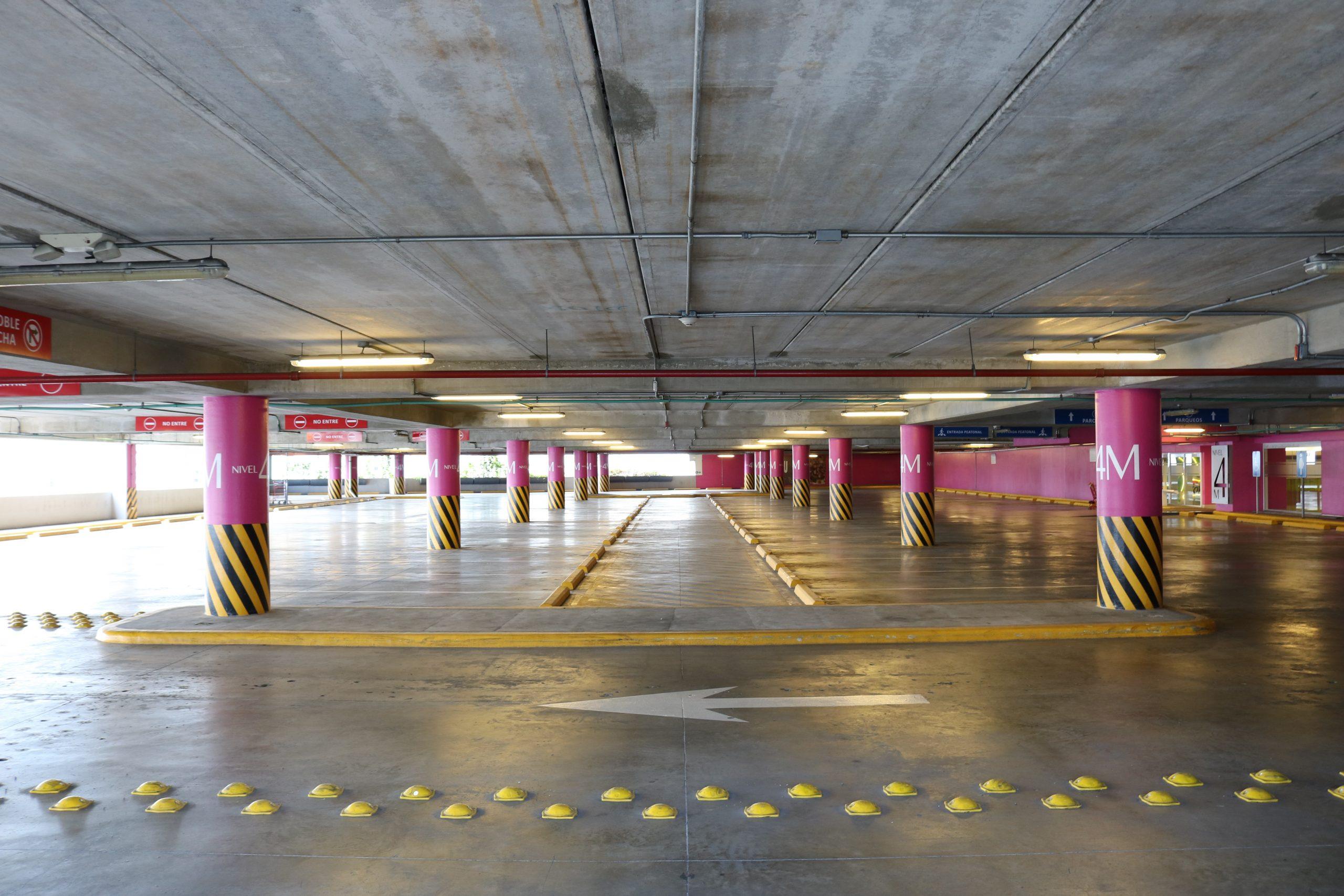 furto de veículos ocorridos em estacionamentos